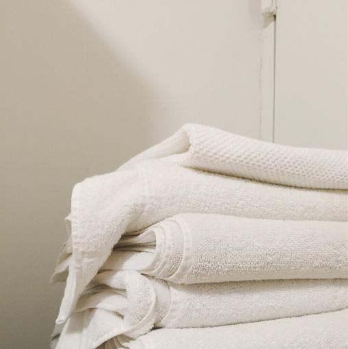 minimalist laundry dr it girl